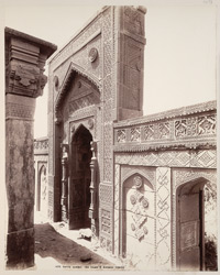 Tatta, Karachi District, Sindh. Isa Khan's Zanana Tomb in front of Isa Khan's Tomb, front of mihrab
